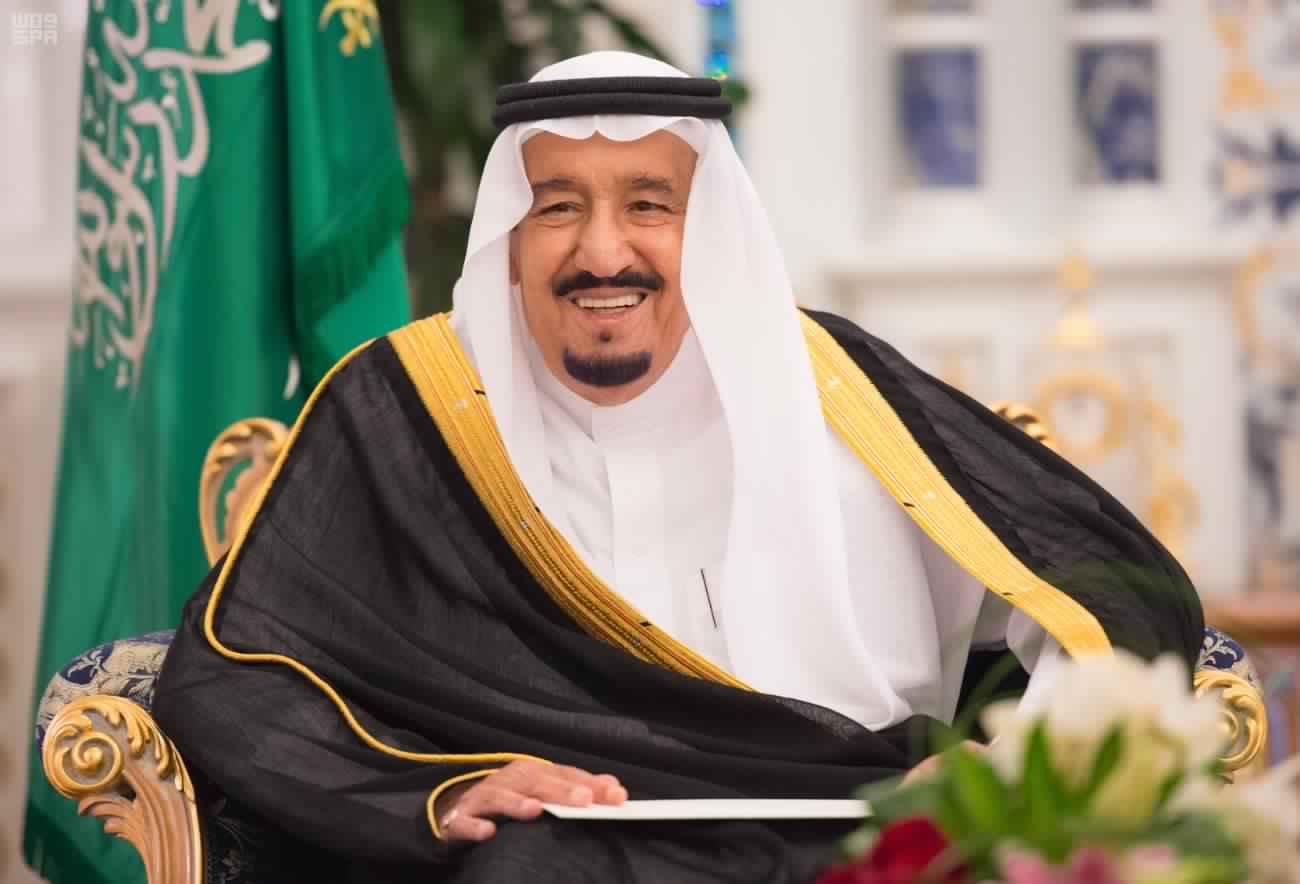 بعد تحذير ولي العهد من المس بأمن المملكة, الملك سلمان يغرد