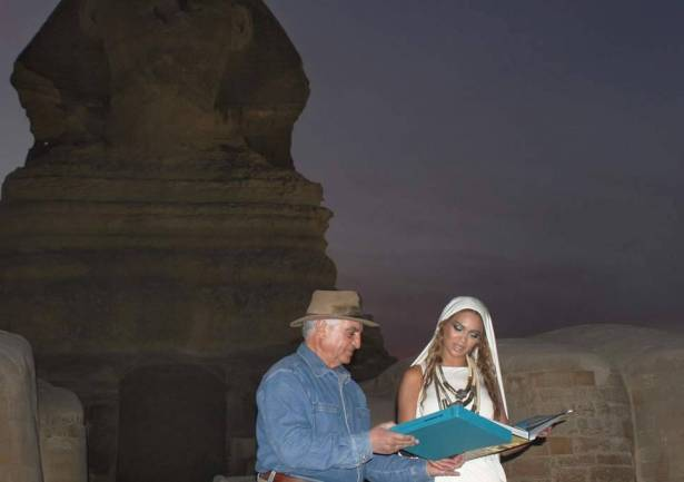 السر ينكشف بعد سنوات.. لماذا طردت بيونسيه من منطقة الأهرامات؟