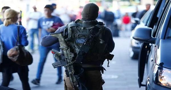 جريح واحتجاز رهينة في كولونيا الالمانية والشرطة طوقت المنطقة