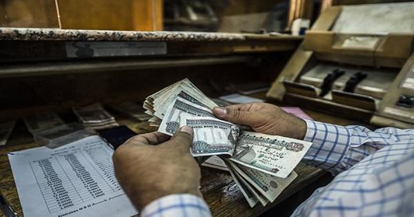توقعات بزيادة أعباء خدمة الدين المصري بـ 50 مليار جنيه