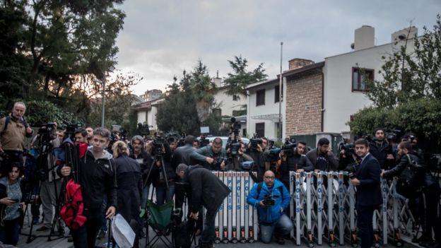 اختفاء خاشقجي: الشرطة التركية تبدأ تفتيش مقر إقامة القنصل السعودي في اسطنبول