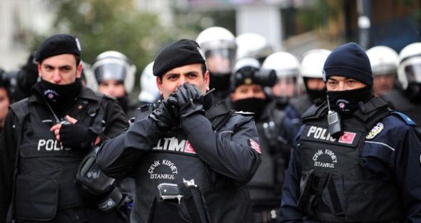السلطات التركية تعتقل 417 شخصا مشتبها في تحقيق مالي يعتقد أنهم حولوا 2.5 مليار ليرة لحسابات تخص إيرانيين في الولايات المتحدة