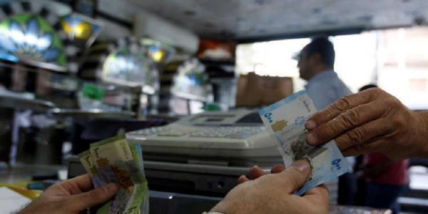 دمشق تنوي اتخاذ إجراءات تؤثر على سعر صرف الدولار