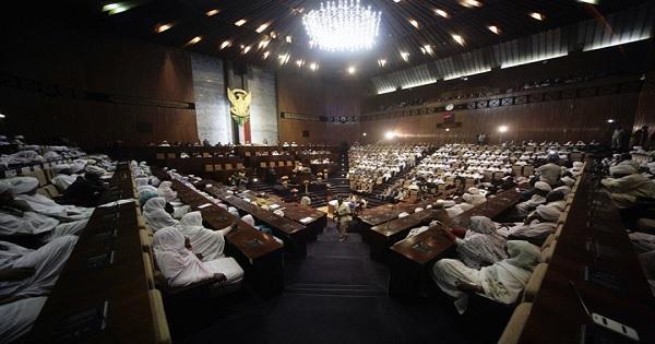 البرلمان السوداني يجيز قانون الانتخابات بالأغلبية