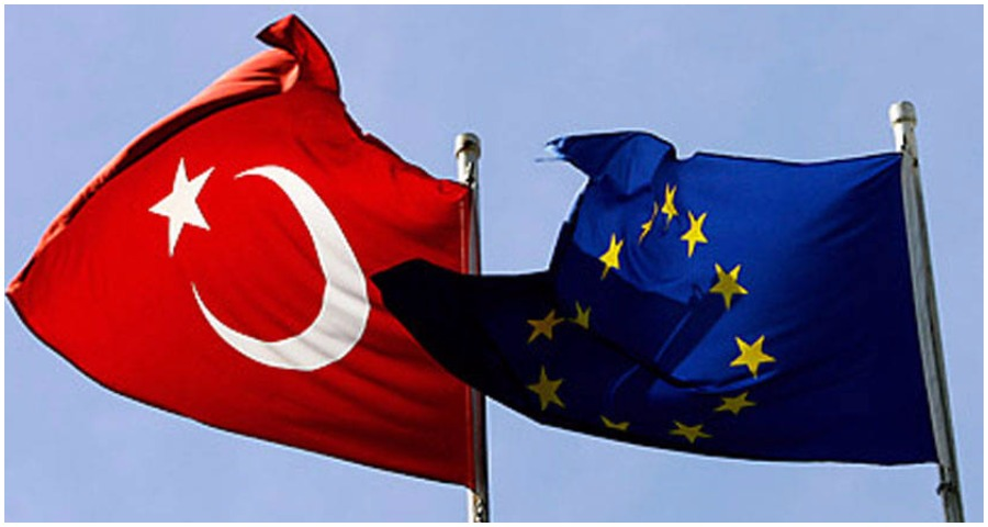 تركيا: الاتحاد الأوروبي يتجاوز حدوده