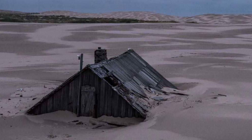 الرمال تبتلع قرية روسية قرب القطب الشمالي
