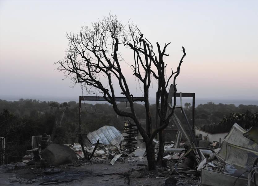 حريق كاليفورنيا الأكثر دموية يودي بحياة 42 شخصاً