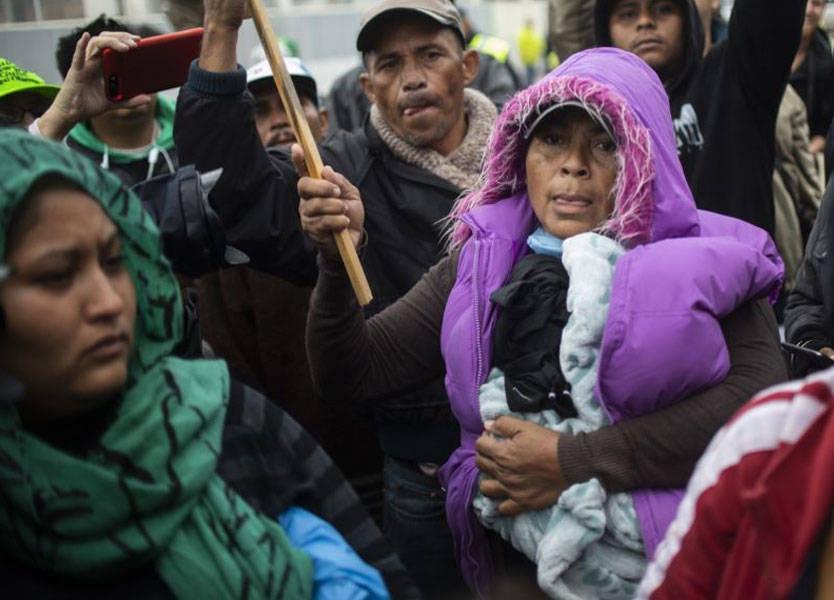 على الحدود المكسيكية... نساء يضربن عن الطعام