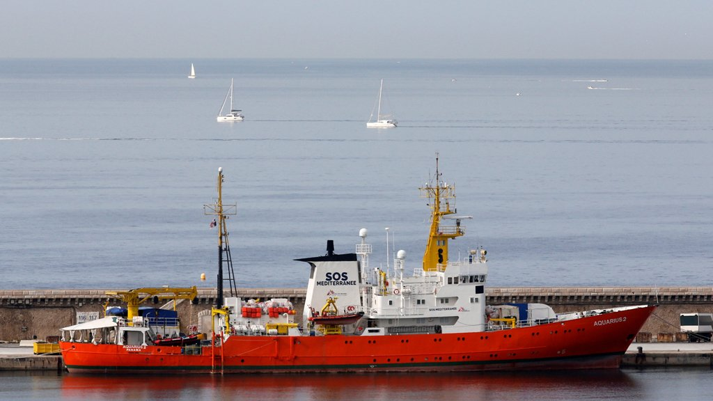 آخر سفينة لإنقاذ اللاجئين بالبحر المتوسط تنهي عملياتها