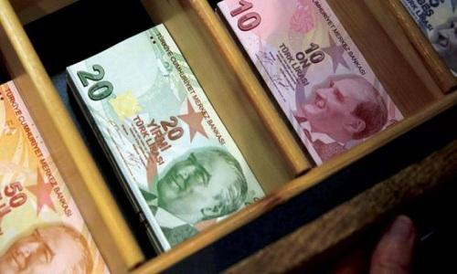 بنوك تركيا تقرض المواطنين لسداد ديون بطاقات الائتمان