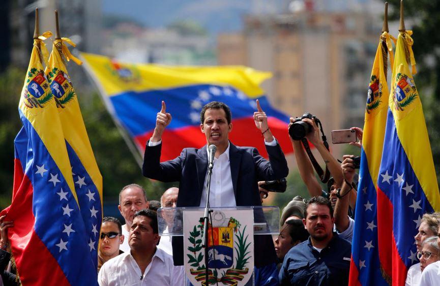 غوايدو: أنا الرئيس الشرعي الوحيد لفنزويلا