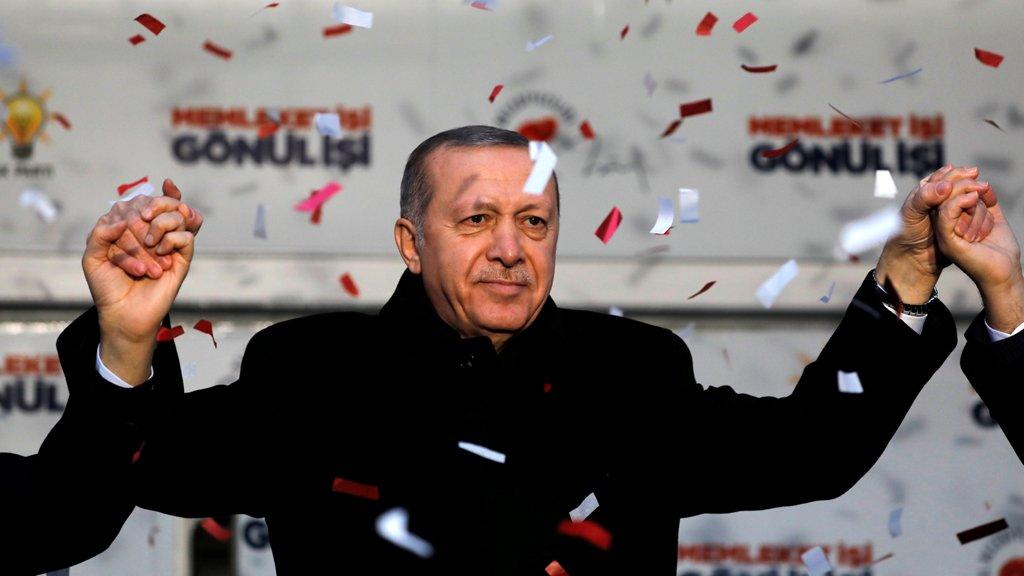 تركيا: مذكرات توقيف بحق 324 شخصاً تتهمهم السلطات بالعلاقة مع غولن