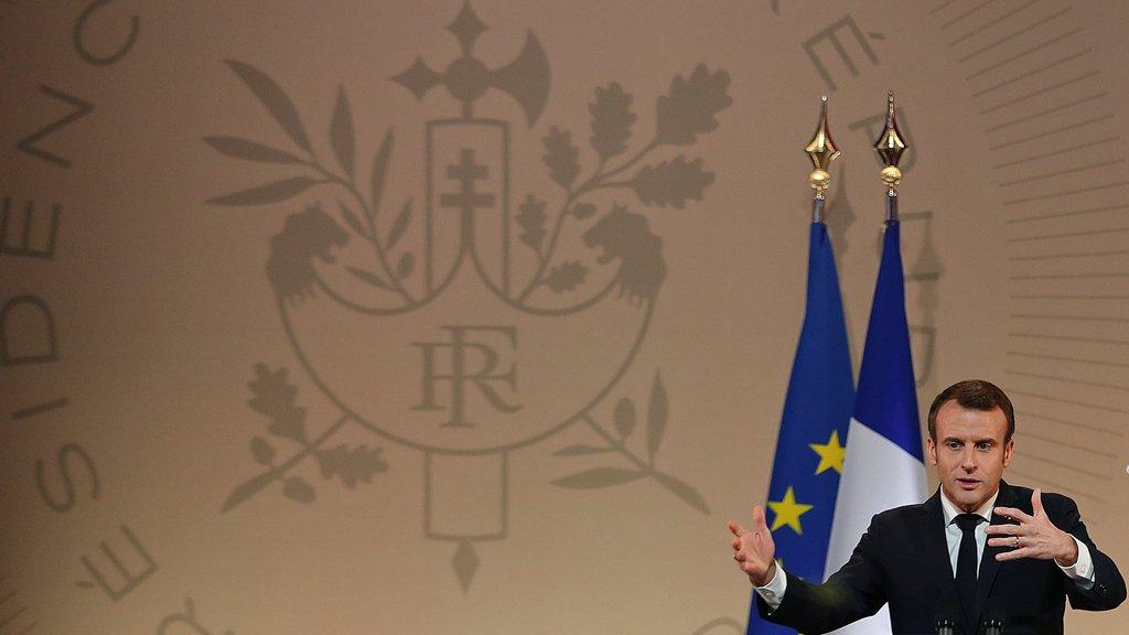 فرنسا تعترف بغوايدو