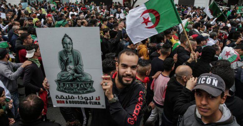 من تونس إلى الجزائر: انتفاضات واحتجاجات العالم العربي منذ عام 2011