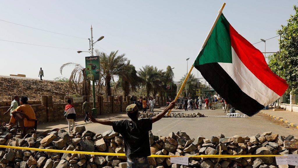 نائب رئيس المجلس العسكري السوداني: ملتزمون بالتفاوض لكن لا فوضى بعد اليوم