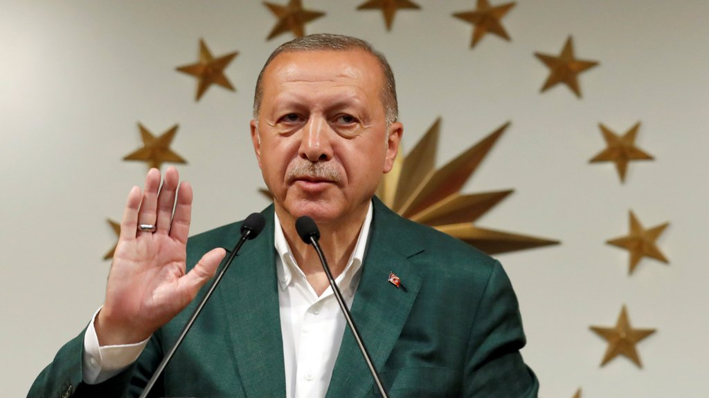 أردوغان يقول إن حزبه سيقاتل لحين إعلان قرار المجلس الأعلى للانتخابات
