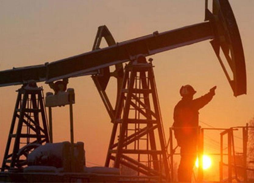 النفط يرتفع بفضل تخفيضات أوبك والعقوبات الأميركية