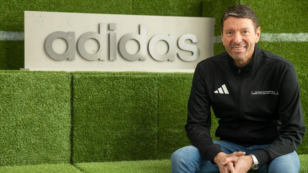 رئيس أديداس يحذر: كثرة المباريات قد تقتل كرة القدم