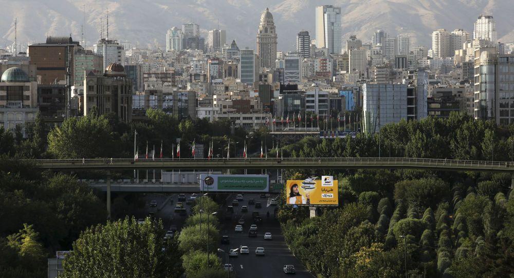 إيران تعلن إعفاء الصينيين من تأشيرة الدخول إلى البلاد